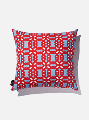 [MD &P!CK] &STORE CUSHION COVER BOLD SKY