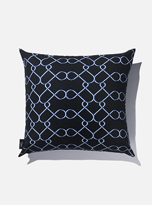 [MD &P!CK] &STORE CUSHION COVER LINE BLACK